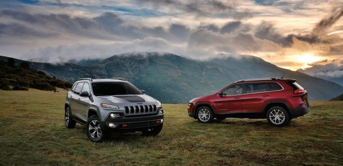 2017-Jeep-Cherokee-Gallery-Trailhawk-Latitude-Billet-Silver-Deep-Cherry-Red.jpg.image.1440
